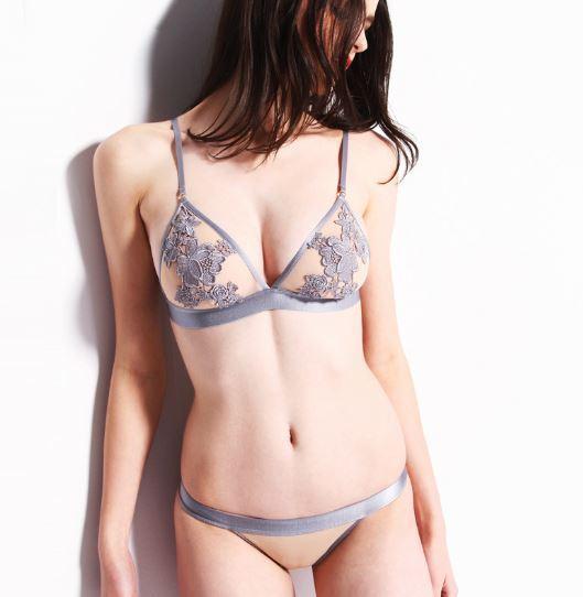 大人の女性にオススメ♡ ブラ&ショーツ セットスタイル写真