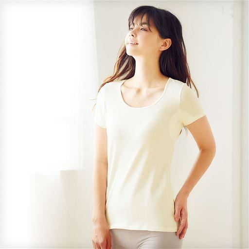 スマートヒート® 汗取り付きフレンチ袖インナー(発熱するコットン ぬく綿)スタイル写真