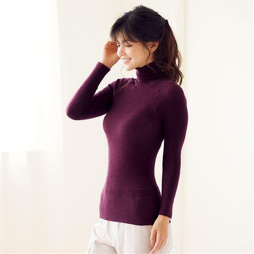 タートルネック10分袖(のびるんフィット®)スタイル写真