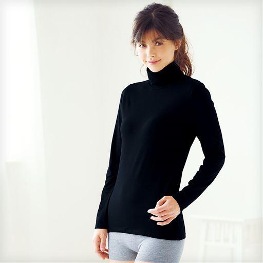 スマートヒート® タートルネック長袖インナー(発熱するコットン ぬく綿)スタイル写真