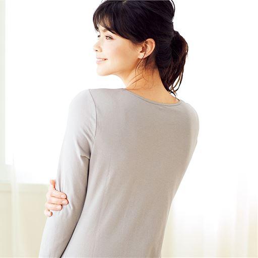 スマートヒート® 背中二重あったか10分袖インナー(発熱するコットン ぬく綿)スタイル写真