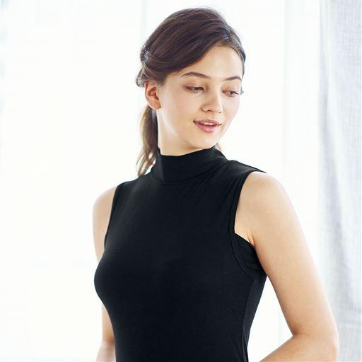 スマートヒート® 汗取りパッド付きノースリーブスタイル写真